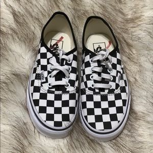 Nwt checkered classic vans